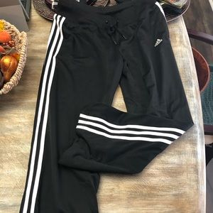 Classic Adidas track pants (lined) with pockets!